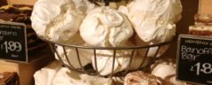 Wordless Wednesday: Massive Meringues in London